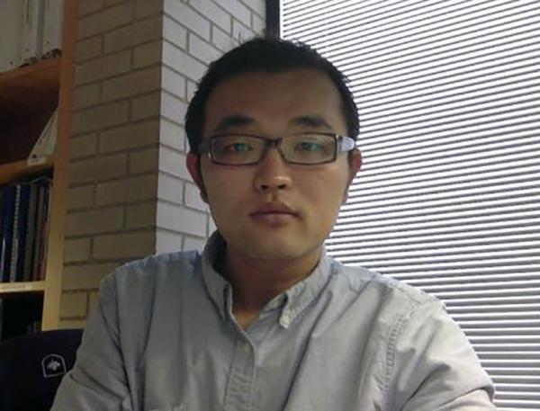 Junjun Yin
